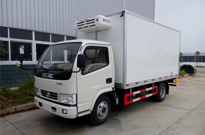 东风小多利卡4.2米冷藏车
