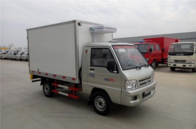 福田驭菱冷藏车左前视图