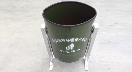 椭圆形垃圾桶