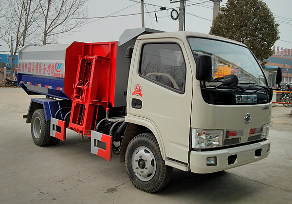 东风锐铃污泥运输车(自装卸式垃圾车)