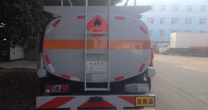 东风5方<a href=http://dfxqc.com/jyc/ target=_blank class=infotextkey>加油车</a>