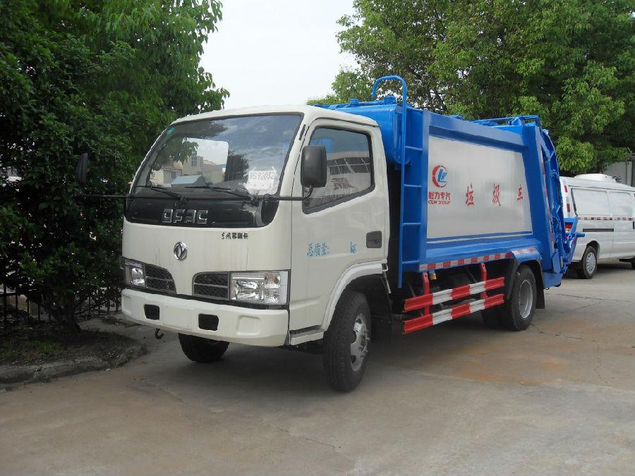 东风福瑞卡压缩式垃圾车(国四)