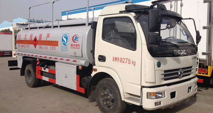 东风多利卡加油车(6.6方)