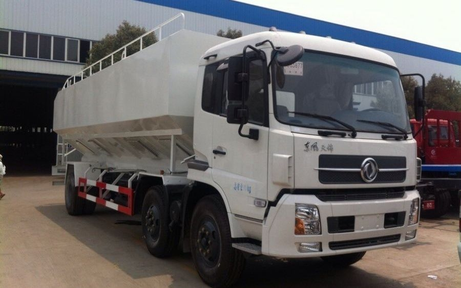 东风天锦15吨散装饲料运输车(30方)