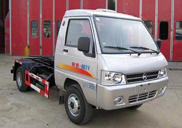 凯马勾臂式垃圾车(3方)
