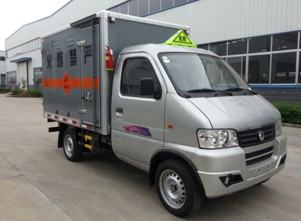 东风俊风爆破器材运输车(2.45米)