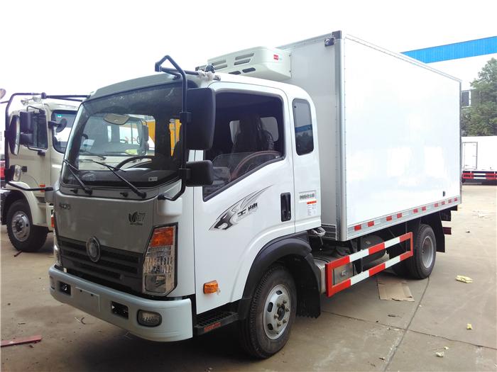 重汽王牌冷藏车(3.7米)