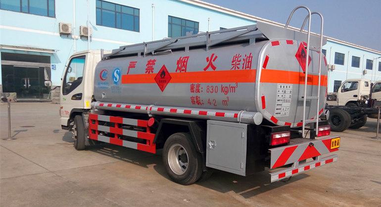 江淮5吨加油车