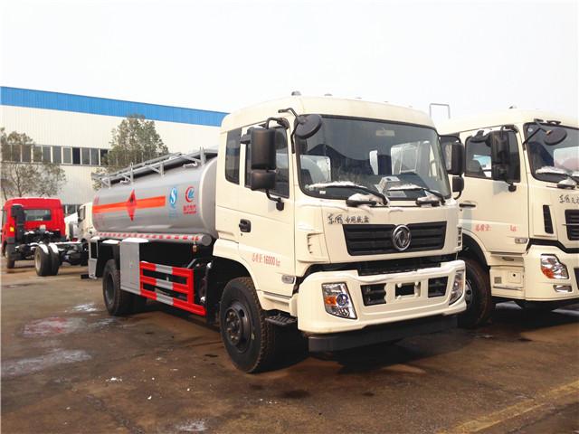 东风12吨加油车
