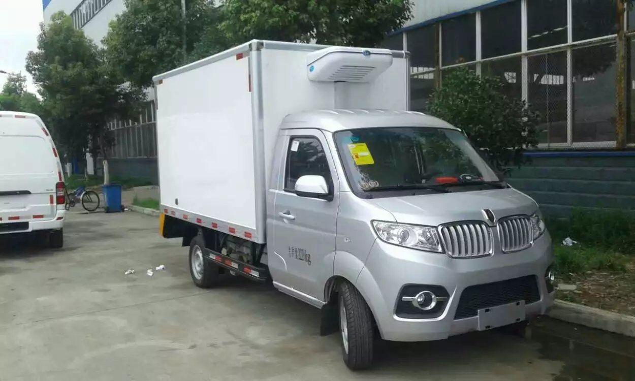 金杯国五冷藏车(厢长2.86米)