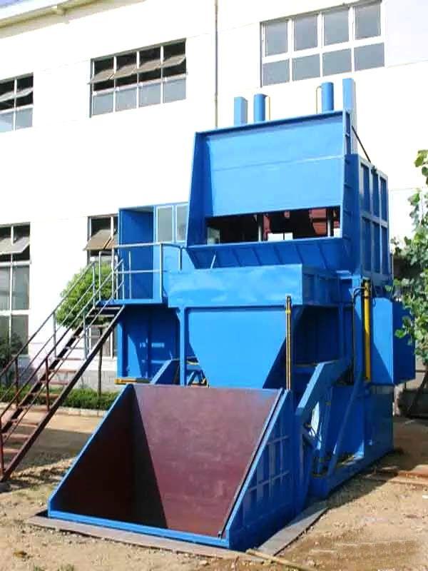 侧翻式垂直压缩垃圾站