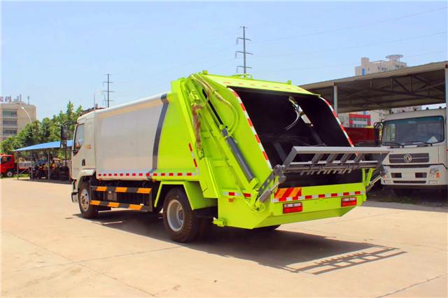柳汽乘龙压缩式垃圾车(12方)