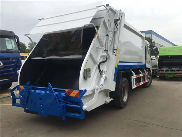 尾部可挂240L、660L国标垃圾桶的东风天锦后装式压缩垃圾车了解下