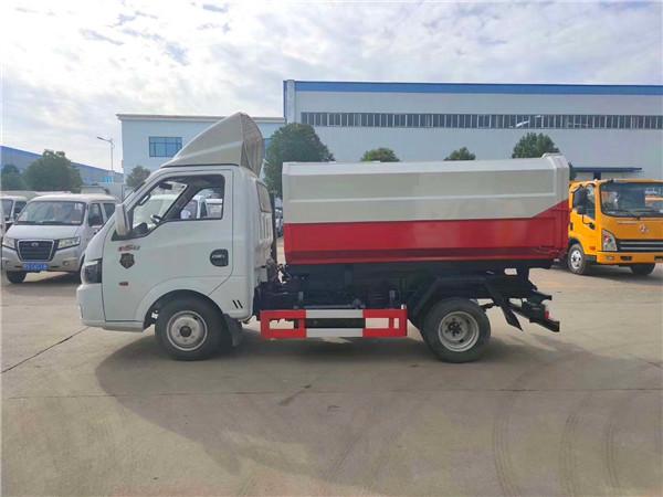 国六东风途逸4方挂桶式垃圾车图片