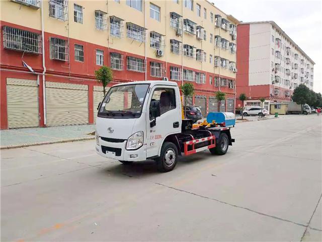 跃进小福星3方勾臂式垃圾车