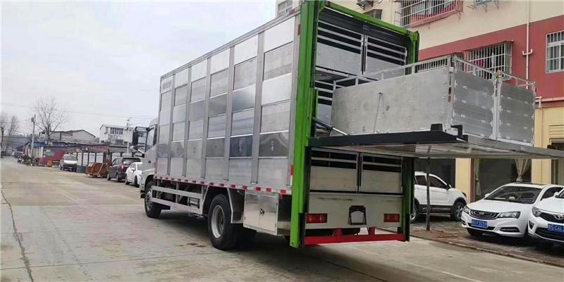 拉猪能手,不怕高温的全铝合金拉猪车——东风天锦铝合金畜禽运输车